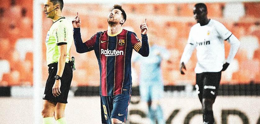 """برشلونة يفوز على فالنسيا و يبقى في سباق """"لا ليغا"""""""